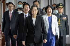 President Tsai Ing-wen (center)  (AP)